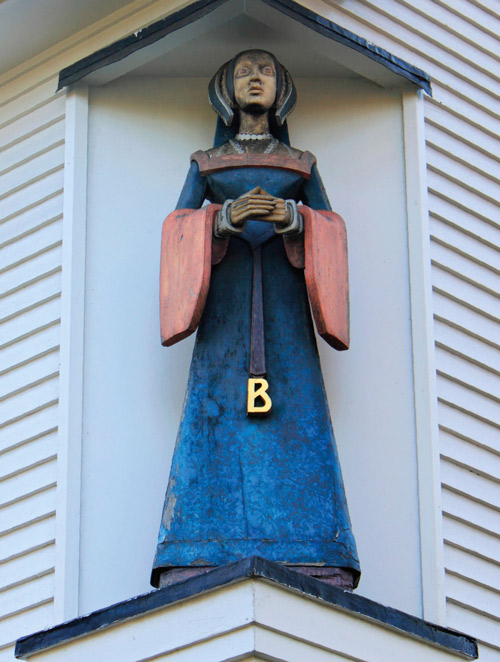 Anne Boleyn Statue