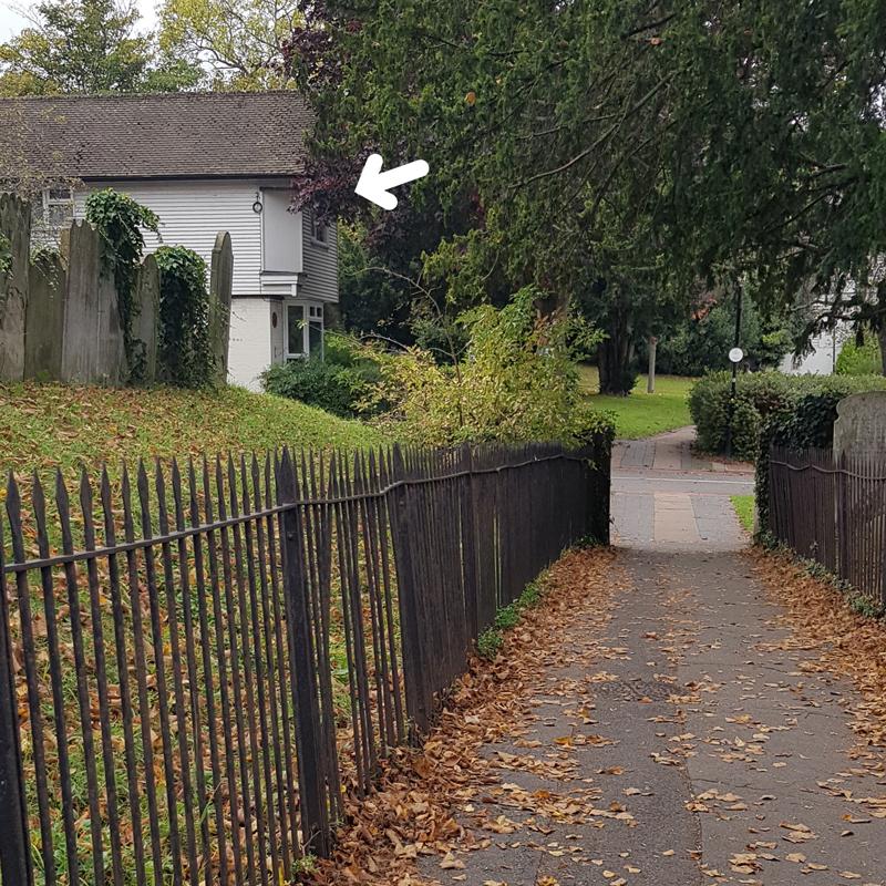 Anne Boleyn Place Arrow